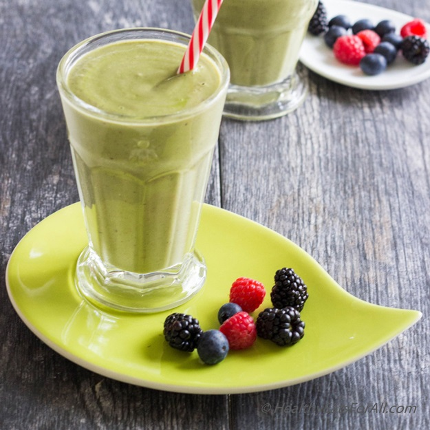 Smoothie aguacate y bayas